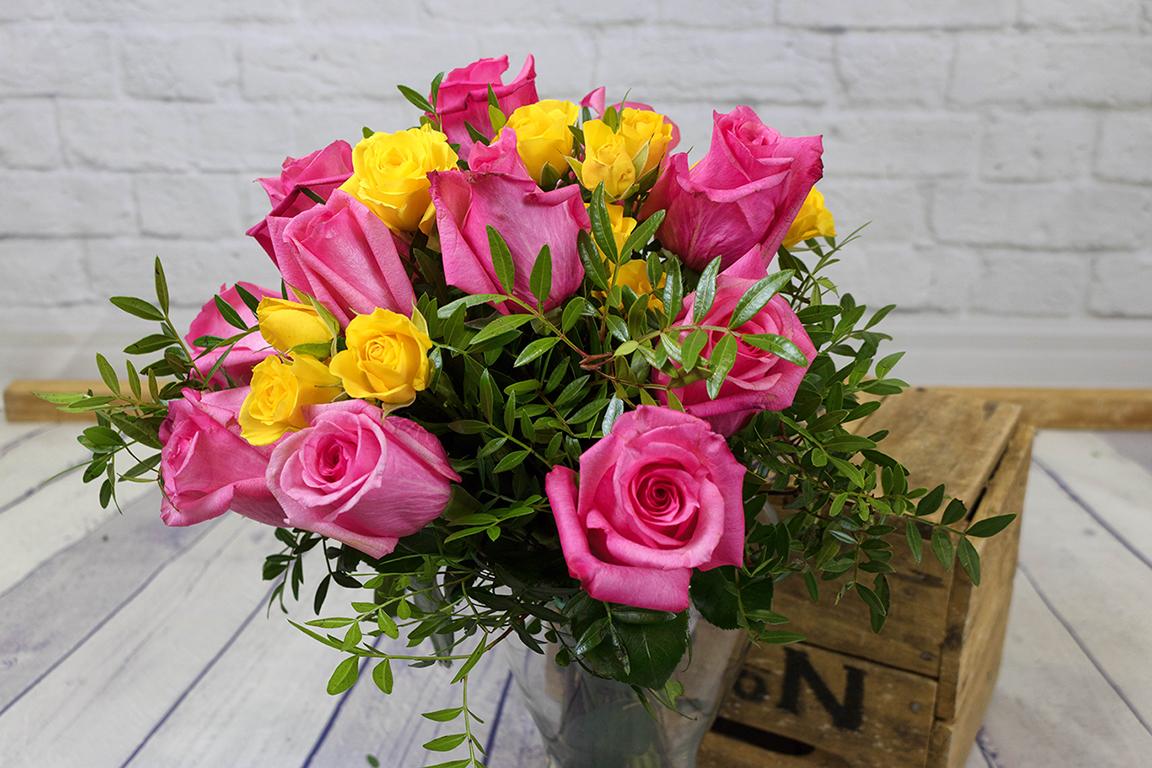 Ramo De Rosas De Colores Flores Kentia Floristería De Zaragoza Y